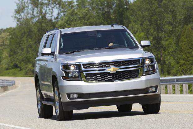 2015 Chevrolet Tahoe vs. 2015 GMC Yukon: What's the Difference? featured image large thumb1