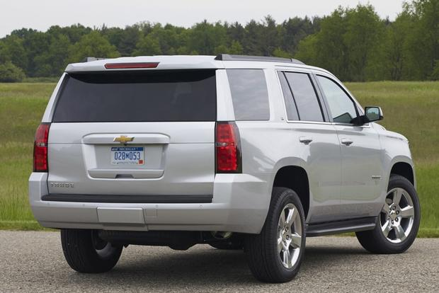2015 Chevrolet Tahoe vs. 2015 GMC Yukon: What's the Difference? featured image large thumb2