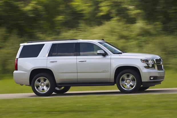 2014 vs. 2015 Chevrolet Tahoe: What's the Difference? featured image large thumb2