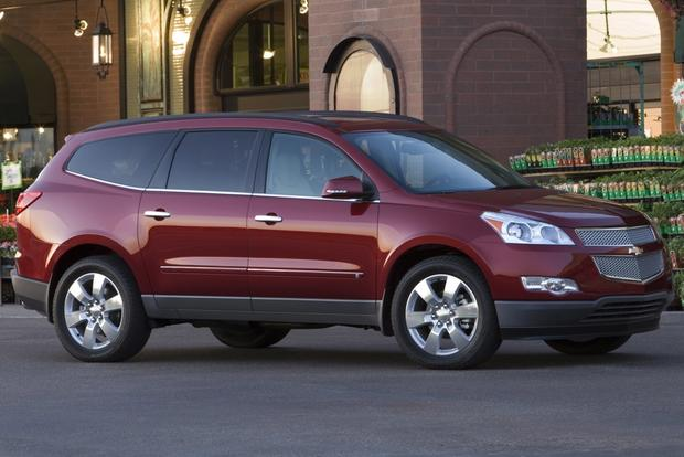 2010 Chevrolet Traverse: Used Car Review featured image large thumb1