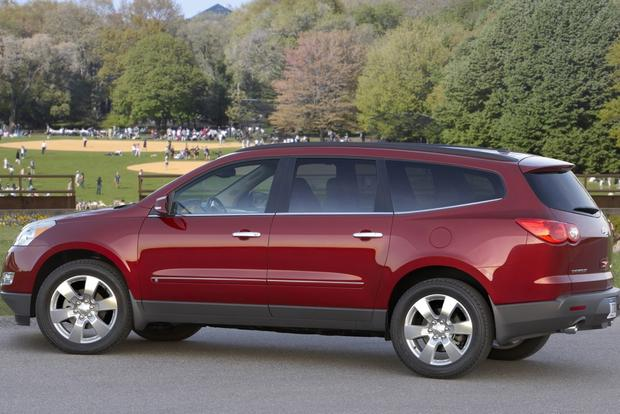 2010 Chevrolet Traverse: Used Car Review featured image large thumb0