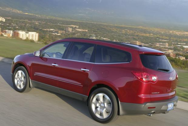 2017 Chevrolet Traverse Used Car Review Featured Image Large Thumb1