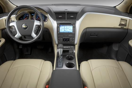 2017 Chevrolet Traverse Used Car Review Featured Image Large Thumb4