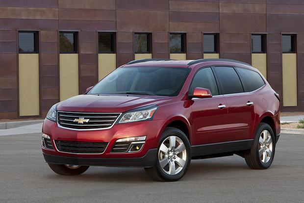 2017 Chevrolet Traverse New Car Review Featured Image Large Thumb1