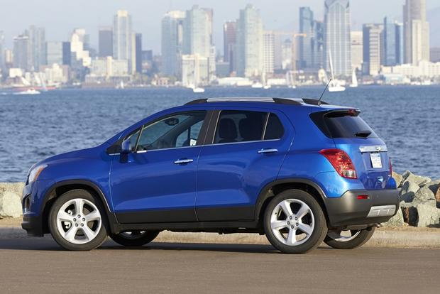 2015 Chevrolet Trax vs. 2015 Chevrolet Equinox: What's the Difference? featured image large thumb5