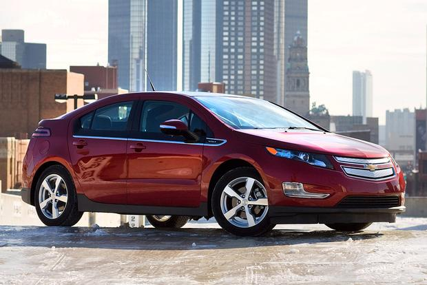 2011 Chevrolet Volt: Used Car Review featured image large thumb0