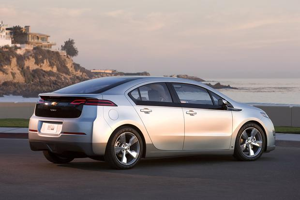 2011 Chevrolet Volt: Used Car Review featured image large thumb5