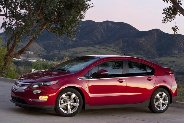 2012 Chevrolet Volt: Used Car Review featured image large thumb3