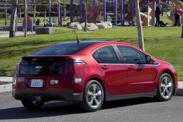 2012 Chevrolet Volt: Used Car Review featured image large thumb2