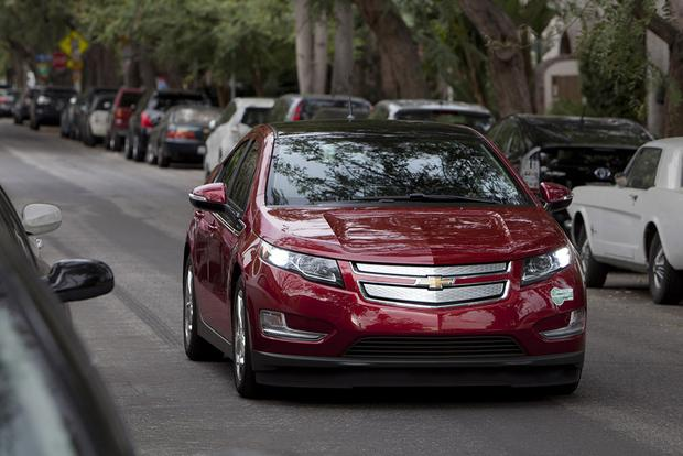 2012 chevrolet volt used car review autotrader. Black Bedroom Furniture Sets. Home Design Ideas
