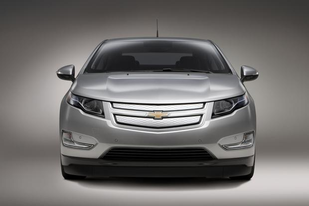 2015 vs. 2016 Chevrolet Volt: What's the Difference? featured image large thumb11