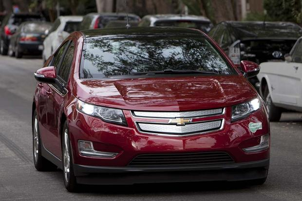 2015 vs. 2016 Chevrolet Volt: What's the Difference? featured image large thumb5