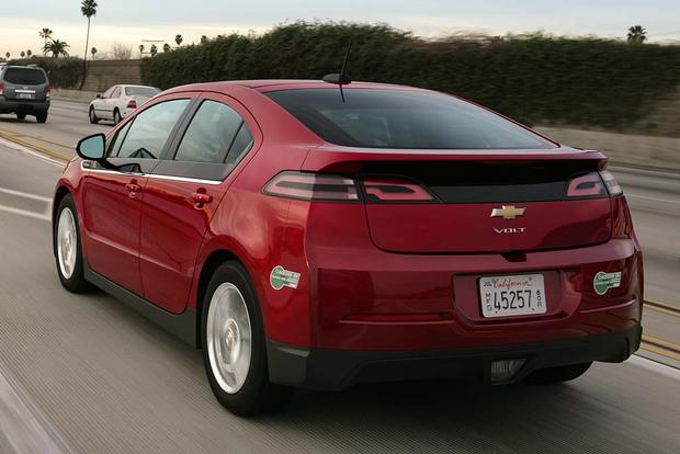 2015 vs. 2016 Chevrolet Volt: What's the Difference? featured image large thumb7
