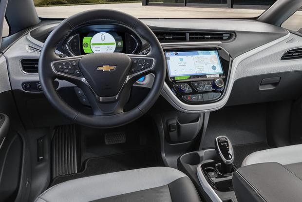 2017 Chevrolet Bolt Vs Volt What S The Difference Featured Image Large