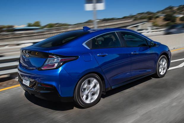 2017 Chevrolet Volt: New Car Review