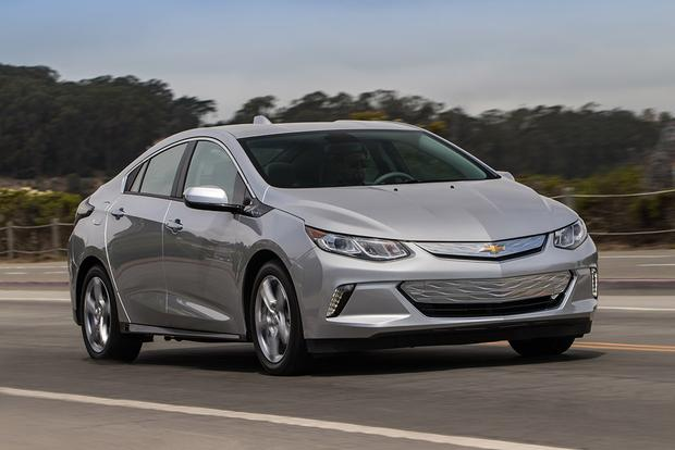 2018 Chevrolet Volt: New Car Review featured image large thumb0