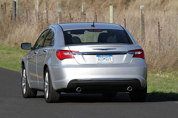 2012 Chrysler 200: Used Car Review featured image large thumb3