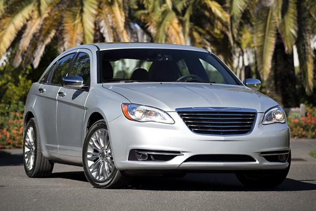 2012 Chrysler 200: New Car Review featured image large thumb1