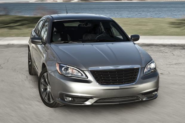 2012 Chrysler 200: New Car Review featured image large thumb3