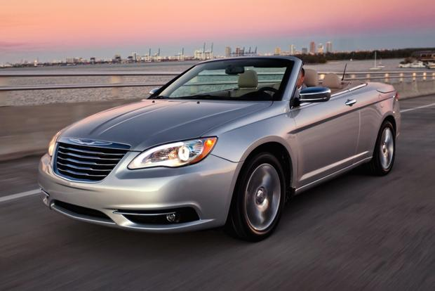 2012 Chrysler 200: New Car Review featured image large thumb6