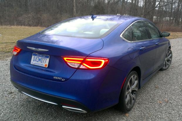 2015 Chrysler 200: First Drive Review featured image large thumb1