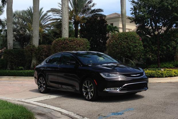 2015 Chrysler 200: Safe Travels featured image large thumb4