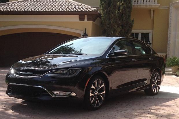 2015 Chrysler 200: Safe Travels featured image large thumb1
