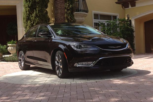 2015 Chrysler 200: Getting Older featured image large thumb0