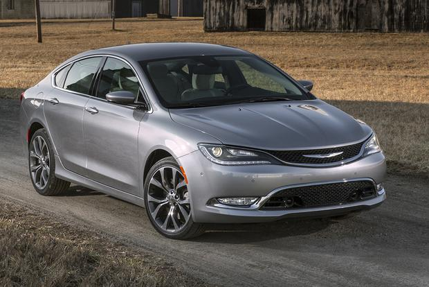 2015 Chrysler 200 vs. 2015 Ford Fusion: Which Is Better? featured image large thumb9