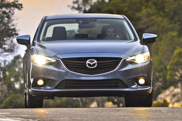 2015 Chrysler 200 vs. 2015 Mazda6: Which Is Better? featured image large thumb5