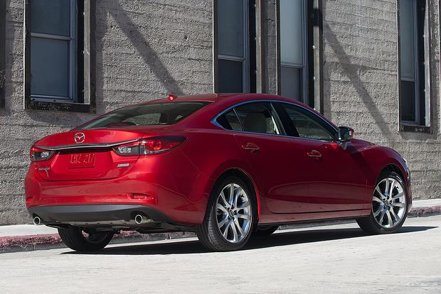 2015 Chrysler 200 vs. 2015 Mazda6: Which Is Better? featured image large thumb7