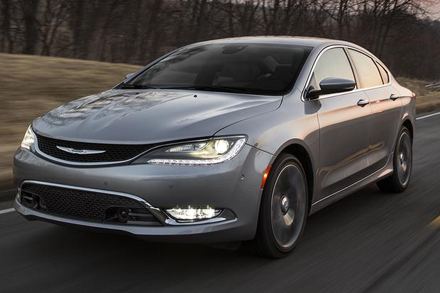 2015 Chrysler 200 vs. 2015 Toyota Camry: Which Is Better? featured image large thumb11