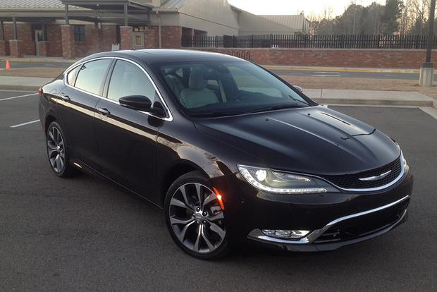 2015 Chrysler 200: New Driver, New Impressions featured image large thumb2
