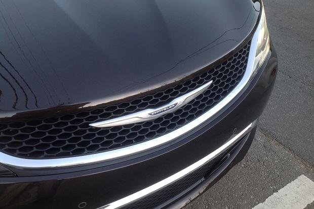 2015 Chrysler 200: Long-Term Introduction featured image large thumb2