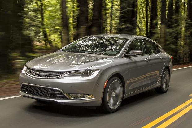 2016 Chrysler 200: New Car Review