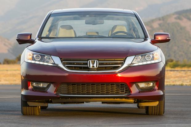 2015 Chrysler 200 vs. 2014 Honda Accord: Which Is Better? featured image large thumb6