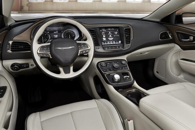 2015 Chrysler 200 vs. 2014 Honda Accord: Which Is Better? featured image large thumb4