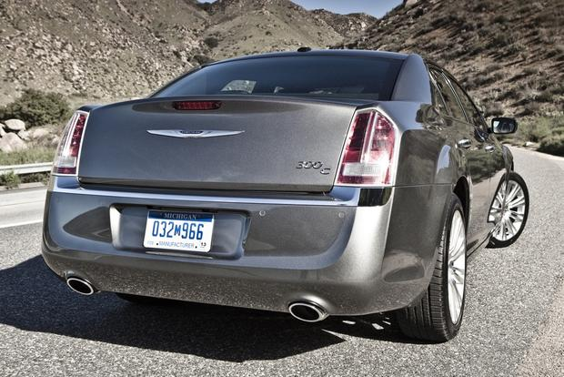 2013 Chrysler 300: New Car Review featured image large thumb2