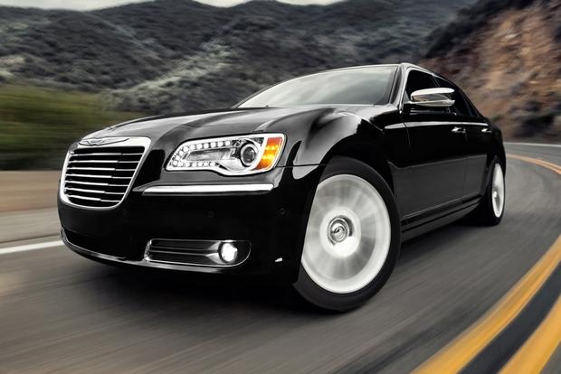 2013 Chrysler 300: New Car Review featured image large thumb4