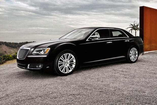 2012 Chrysler 300: New Car Review featured image large thumb24