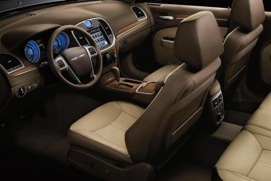 2012 Chrysler 300: New Car Review featured image large thumb3