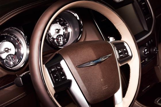 2012 Chrysler 300: New Car Review featured image large thumb4