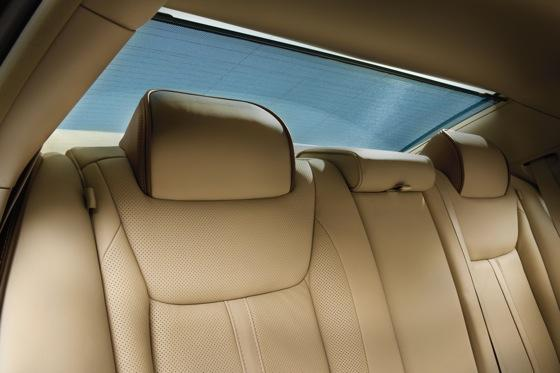 2012 Chrysler 300: New Car Review featured image large thumb8