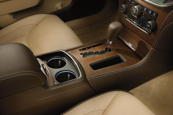 2012 Chrysler 300: New Car Review featured image large thumb11