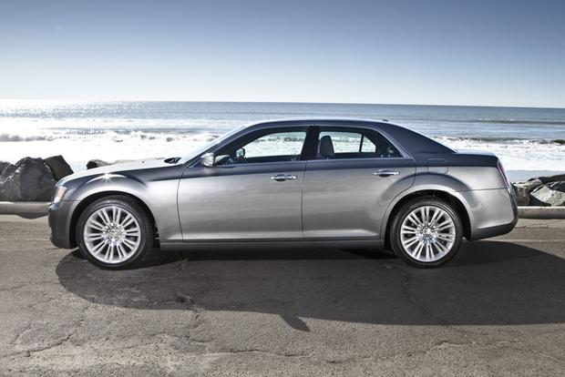 2012 Chrysler 300: New Car Review featured image large thumb14