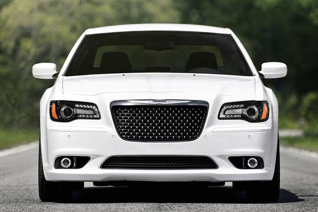 2012 Chrysler 300: Used Car Review featured image large thumb1