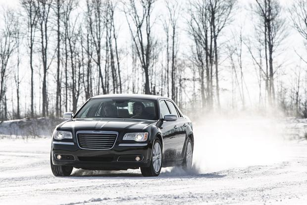 2014 Chrysler 300: New Car Review featured image large thumb2
