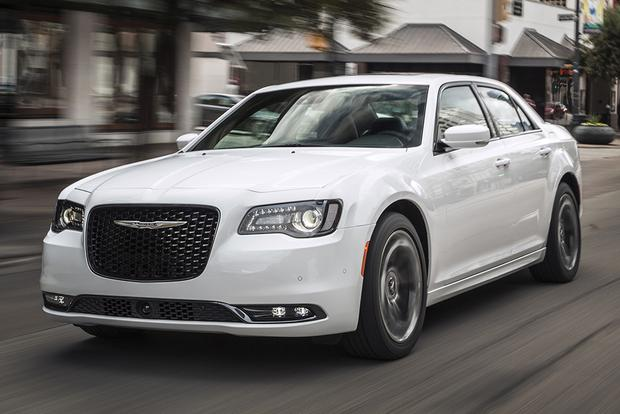 2015 chrysler 300 new car review autotrader. Black Bedroom Furniture Sets. Home Design Ideas