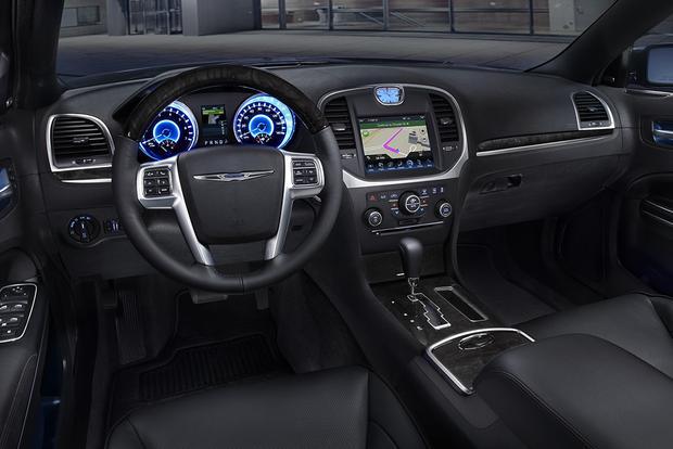 Chrysler Hybrid Minivan >> 2014 vs. 2015 Chrysler 300: What's the Difference? - Autotrader