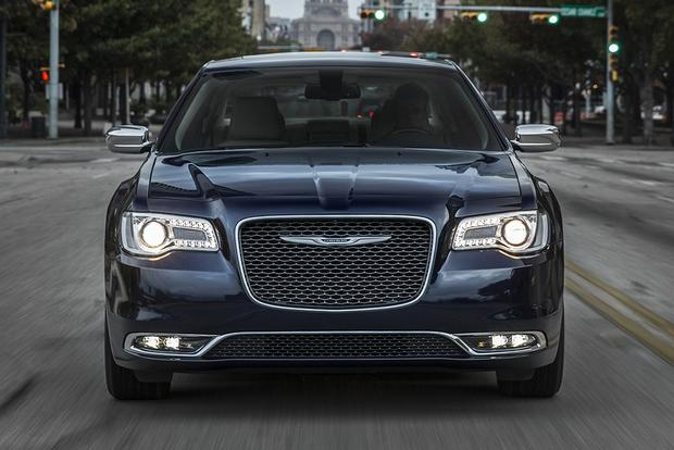 2014 vs  2015 Chrysler 300: What's the Difference? - Autotrader